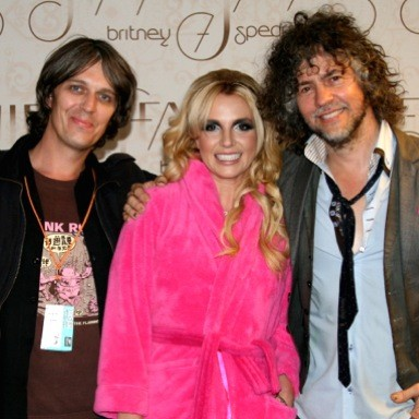 Britney spears meet the flaming lips plus backstage video of in 2006 m4hsunfo
